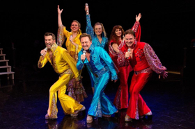 BWW Review: MAMMA MIA! How Can You Resist This??