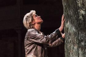 BWW Review: ALBION, Almeida Theatre