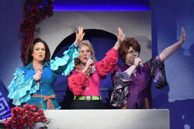 BWW Review: Arizona Broadway Theatre Presents MAMMA MIA!