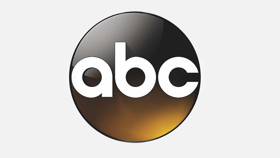Joel McHale to Host CARD SHARKS on ABC
