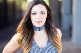 BWW Interview: Actress/Singer Desi Oakley Tells Us About Her Love Affair With WAITRESS
