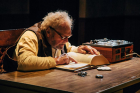 BWW Review: Brian Dennehy Inhabits Lives Remembered in HUGHIE and KRAPP'S LAST TAPE at the Geffen Playhouse