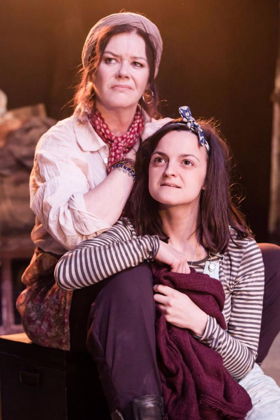 BWW Review: MOTHER COURAGE AND HER CHILDREN, Southwark Playhouse