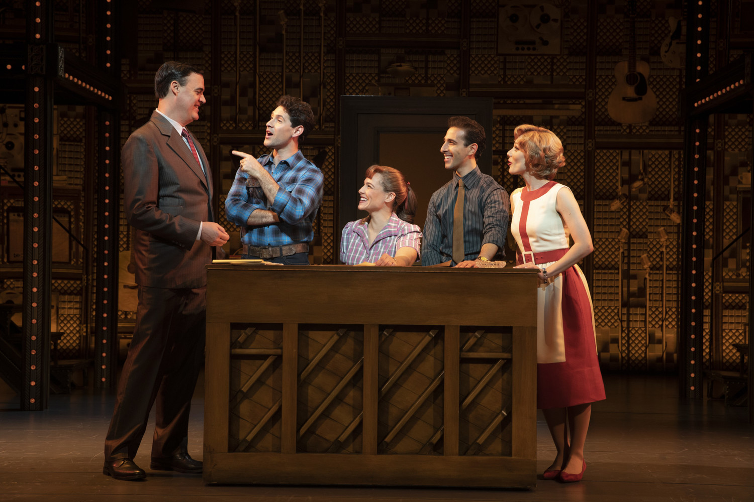 BWW Review: BEAUTIFUL: THE CAROLE KING MUSICAL at The National Theatre