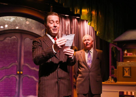 BWW Review: SHE LOVES ME Makes a Lovely Holiday Gift