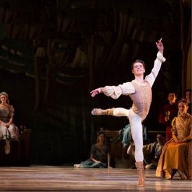 Pennsylvania Ballet Promotes Peter Weil to Soloist