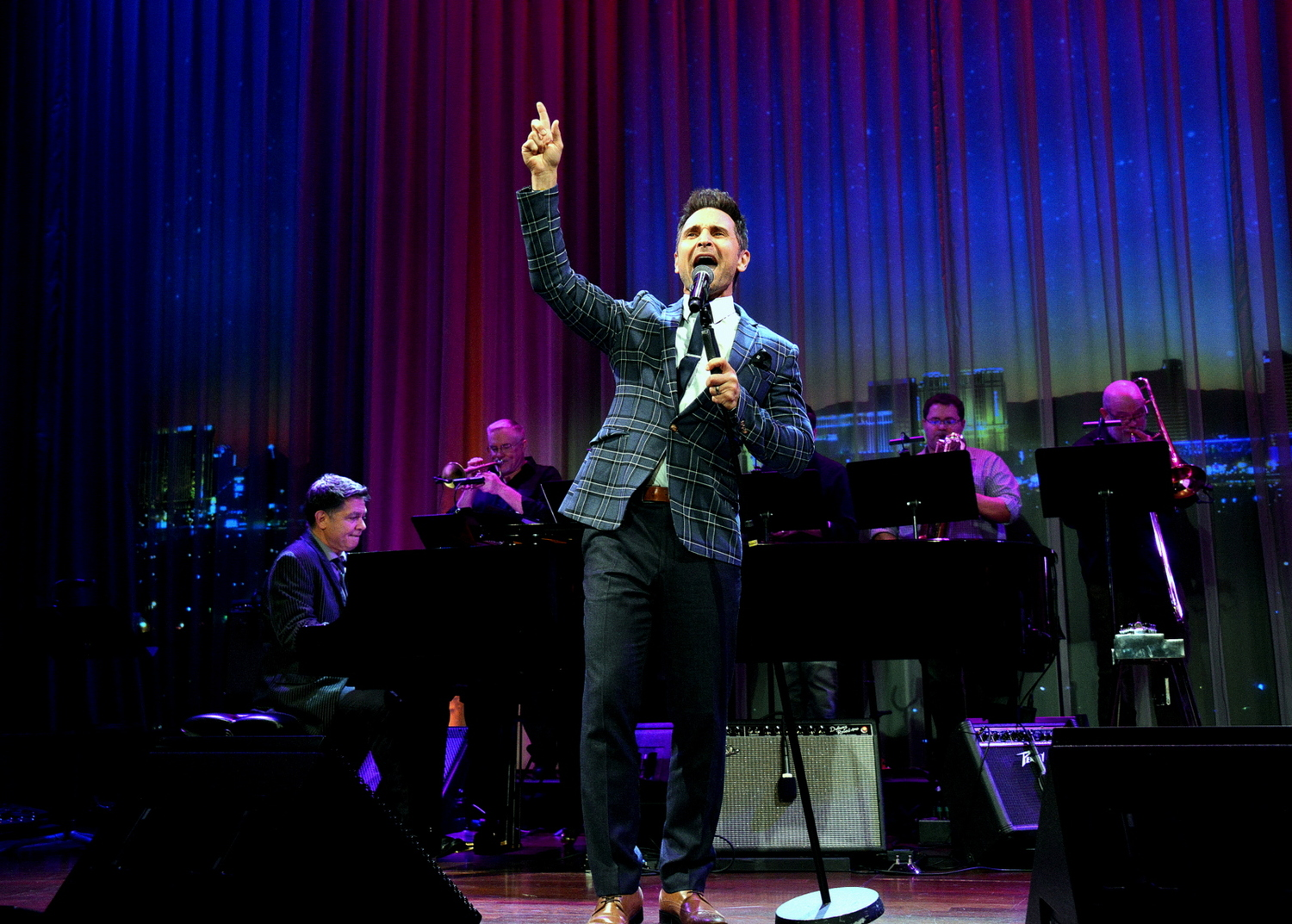 BWW Interview: Travis Cloer of THE LAS VEGAS PHILHARMONIC PRESENTS A CLASSIC HOLIDAY at The Smith Center For The Performing Arts