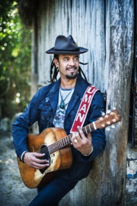 Michael Franti & Spearhead Premiere NOBODY CRIES ALONE, New Album Due 1/25 on Thirty Tigers
