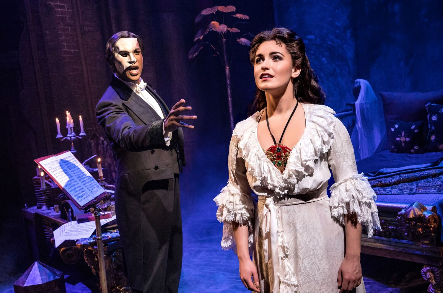 BWW Review: Andrew Lloyd Webber's Score Shines Through New Staging of PHANTOM OF THE OPERA at Mirvish