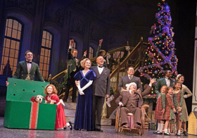 BWW Review:  ANNIE at Paper Mill Playhouse has Exquisite Holiday Charm and So Much More
