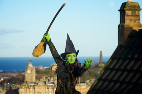 WICKED Defies Gravity At Edinburgh Castle to Celebrate Its Forthcoming Return