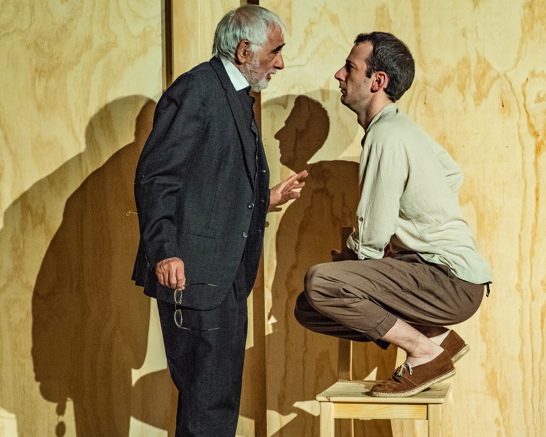 BWW Review: EL VIEJO, EL JOVEN Y EL MAR at GALA Hispanic Theatre is a Beautiful Spanish-Language Work