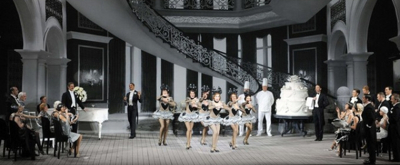 BWW Review: SINGING IN THE RAIN Makes a Splash at Le Grand Palais - PARIS