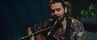 VIDEO: Biffy Clyro Release BLACK CHANDELIER Live Video From MTV Unplugged: Live At Roundhouse London