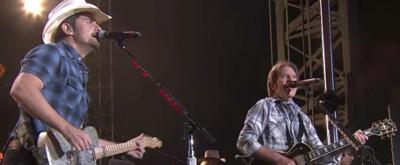 VIDEO: Brad PaisleyandJohn Fogerty Perform 'Proud Mary' & More on JIMMY KIMMEL