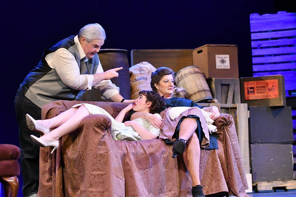 BWW Review: A VIEW FROM THE BRIDGE Smolders at The Grand Theatre