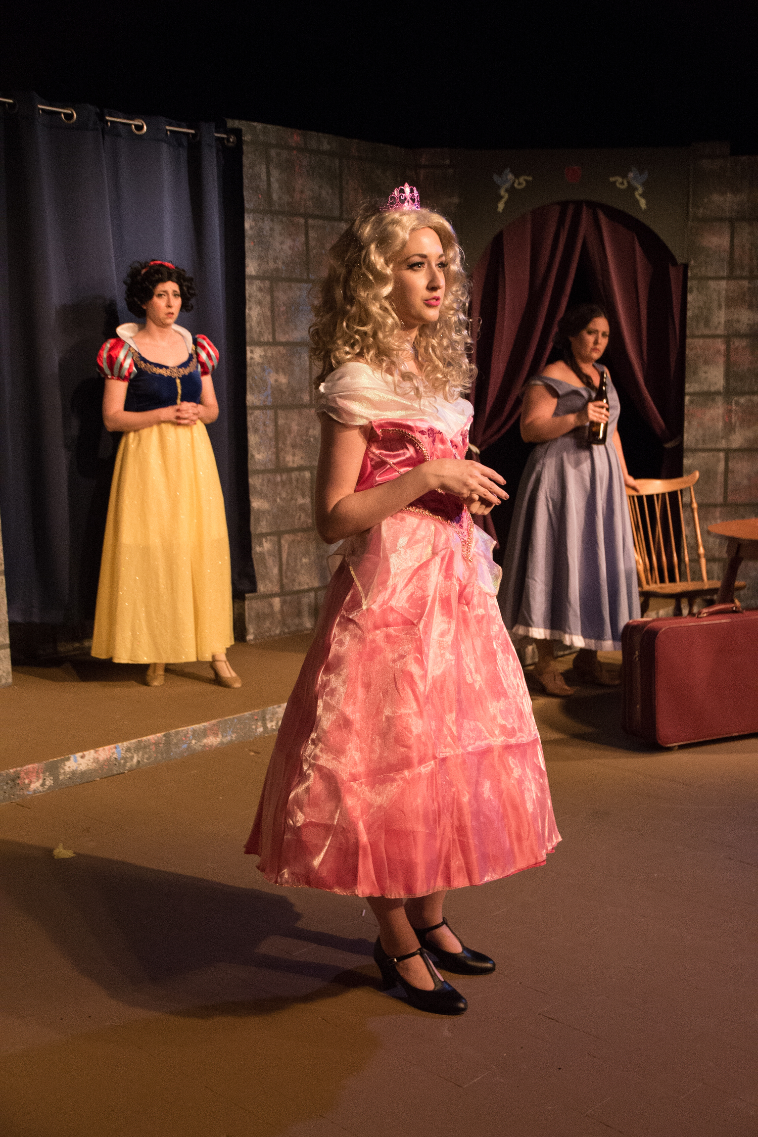 BWW Review:  WONDERLAND WIVES Breaks The Crystal Slipper With Raunchy Laughter at THEATRE DOWNTOWN