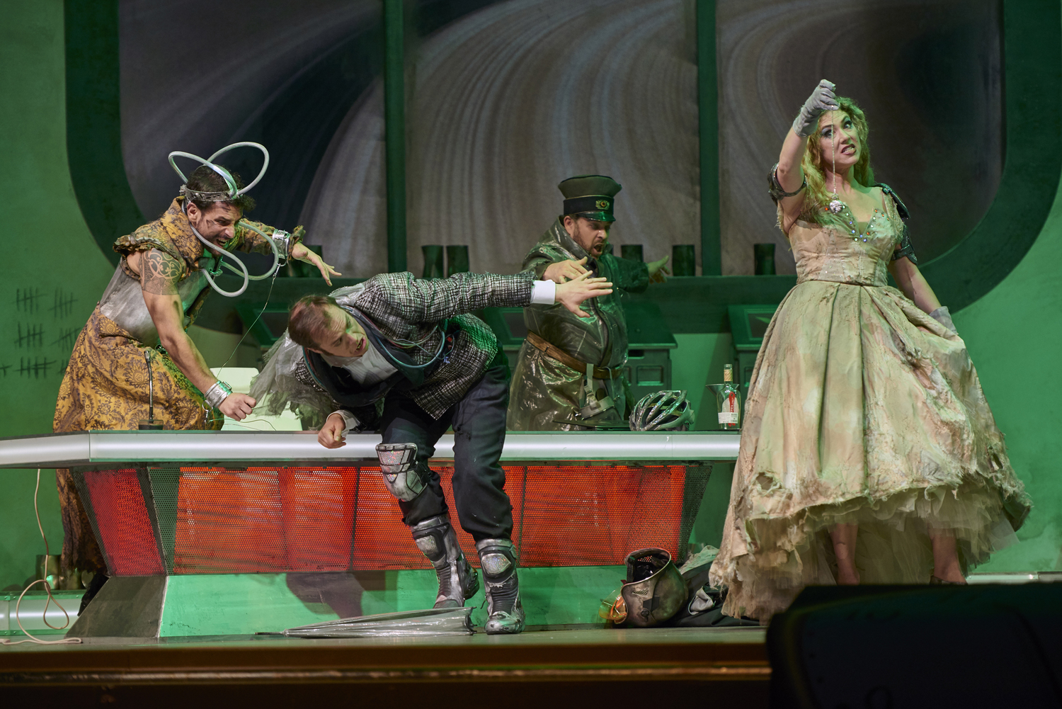 BWW Review: DIE FLEDERMAUS at Deutsche Oper Berlin - An ABC Production (an Amateurish, Boring Catastrophe) directed by former operatic tenor, Rolando Villazón
