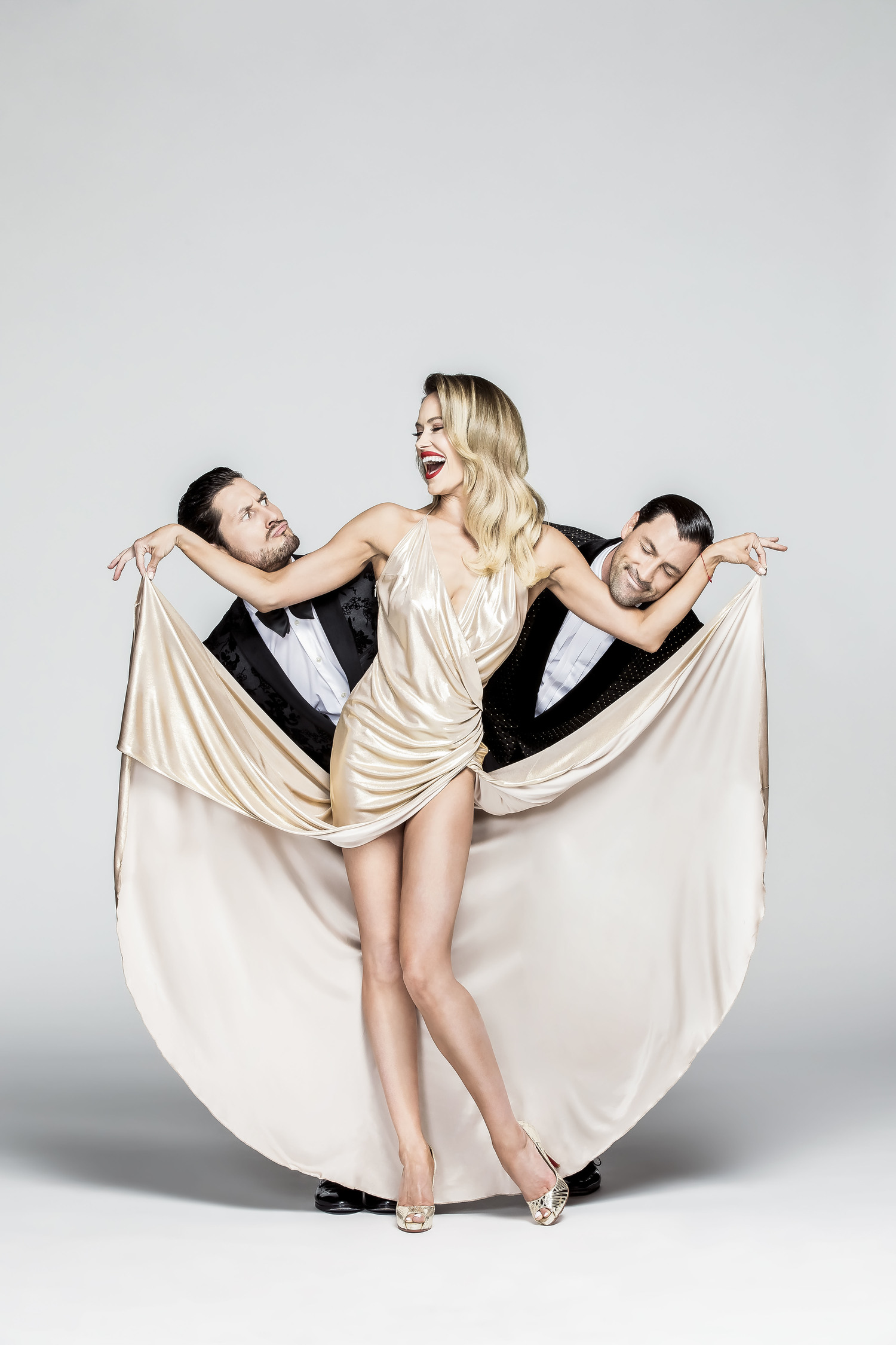 BWW Review: MAKS, VAL, & PETA LIVE ON TOUR: CONFIDENTIAL Brings Love Story to Durham Performing Arts Center