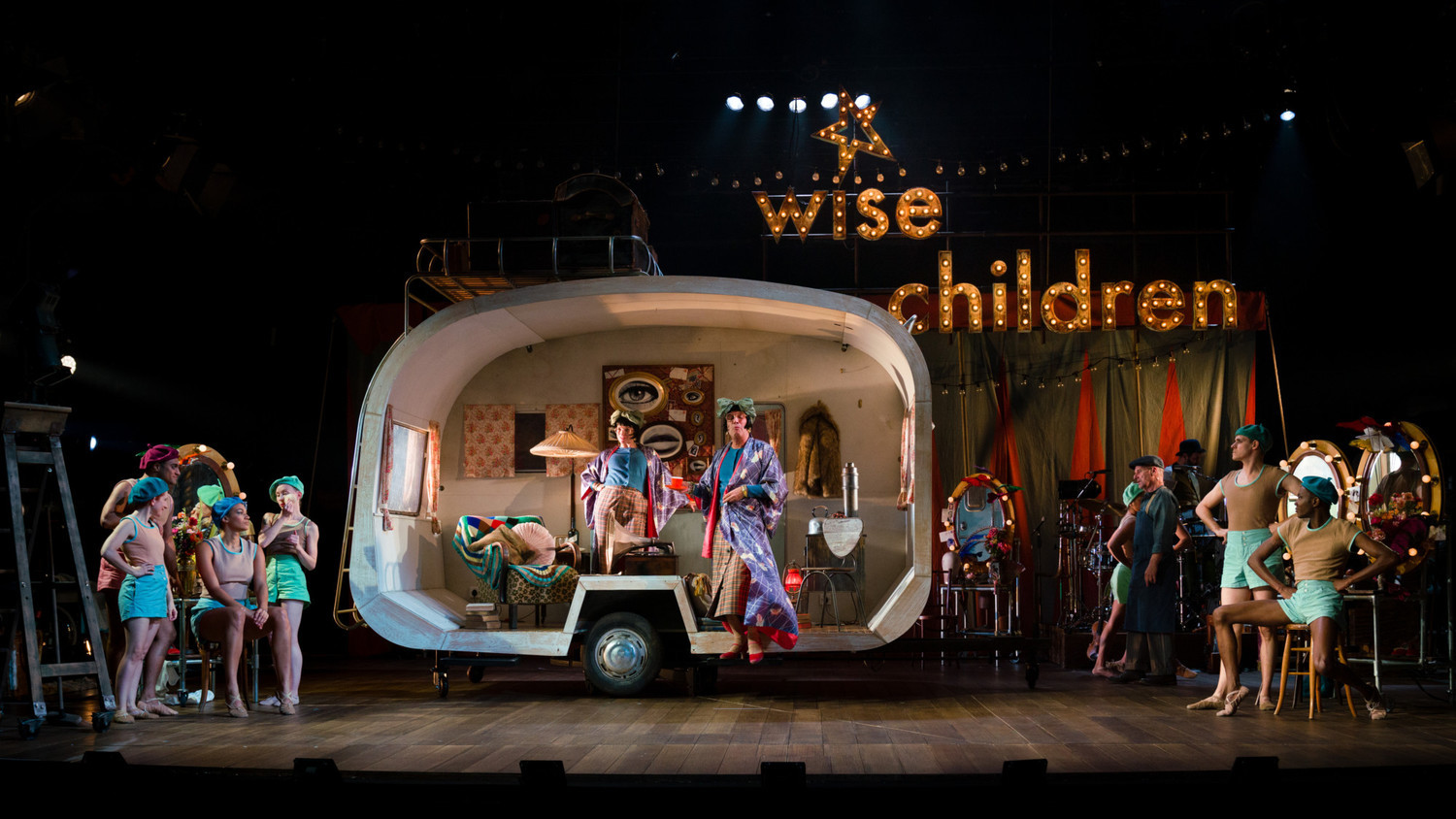 BWW Review: WISE CHILDREN, Old Vic