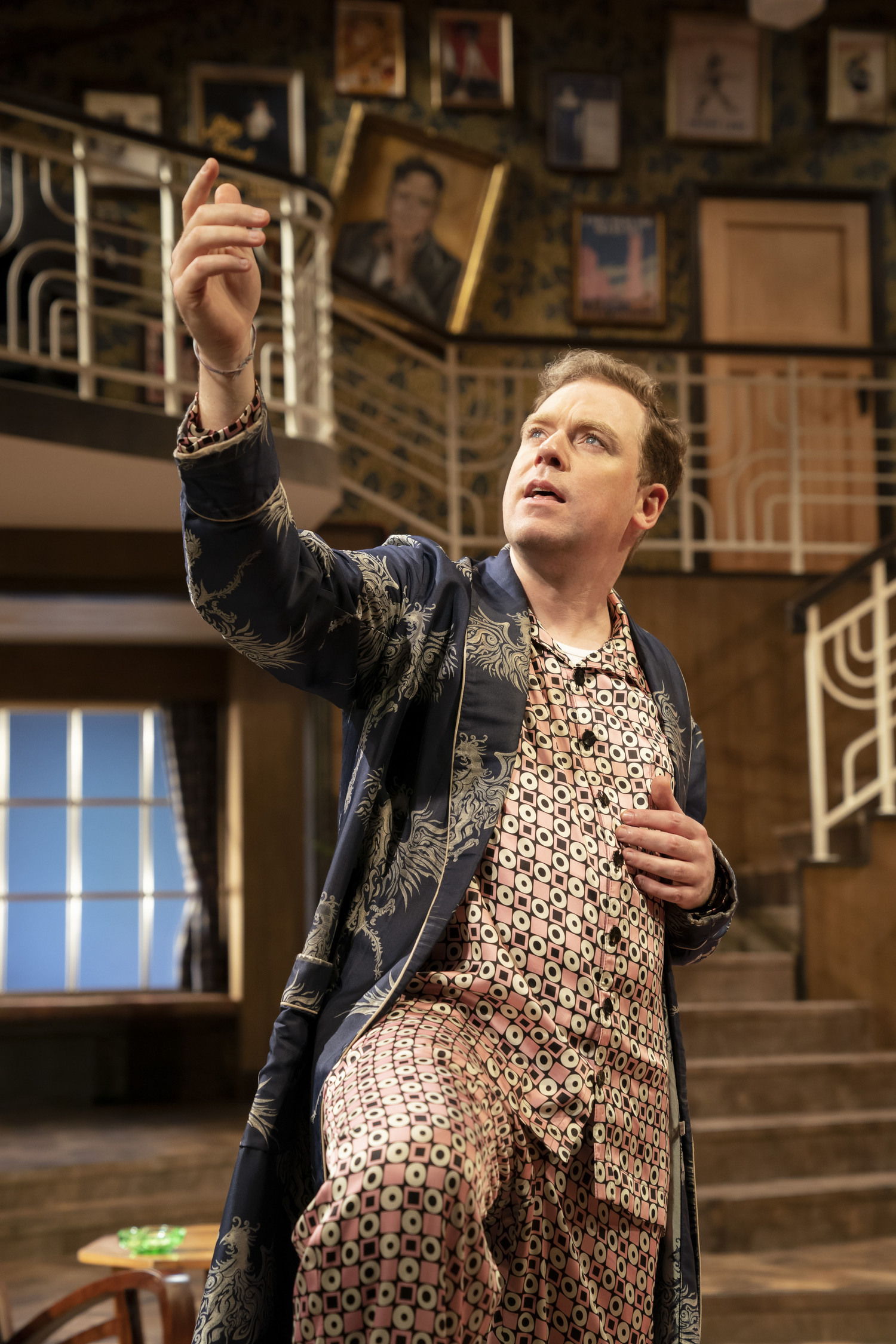BWW Review: PRESENT LAUGHTER, Chichester Festival Theatre