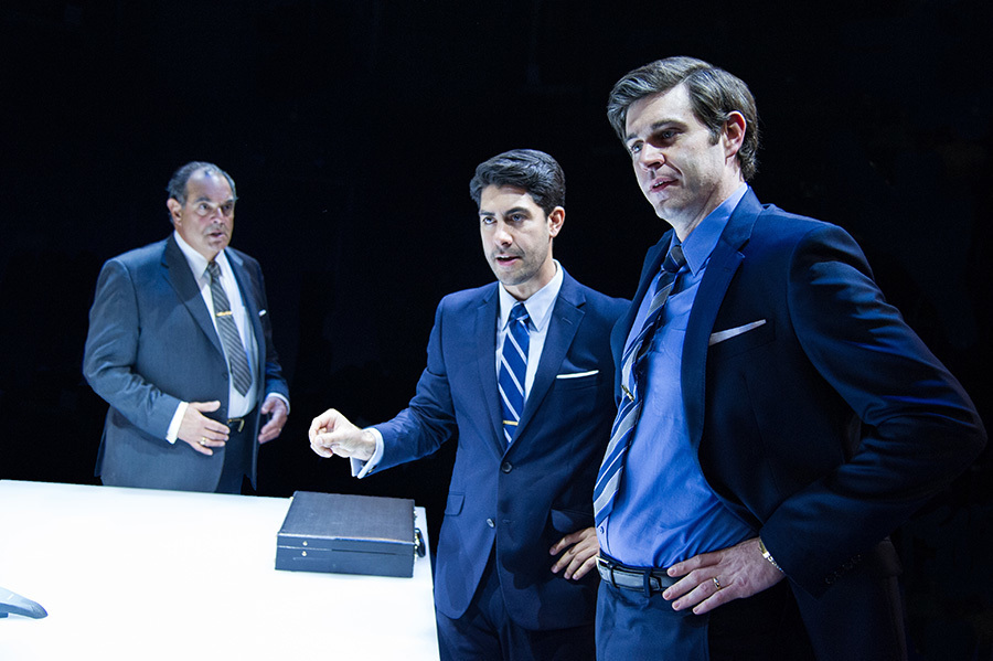 BWW Review: JUNK at Arena Stage