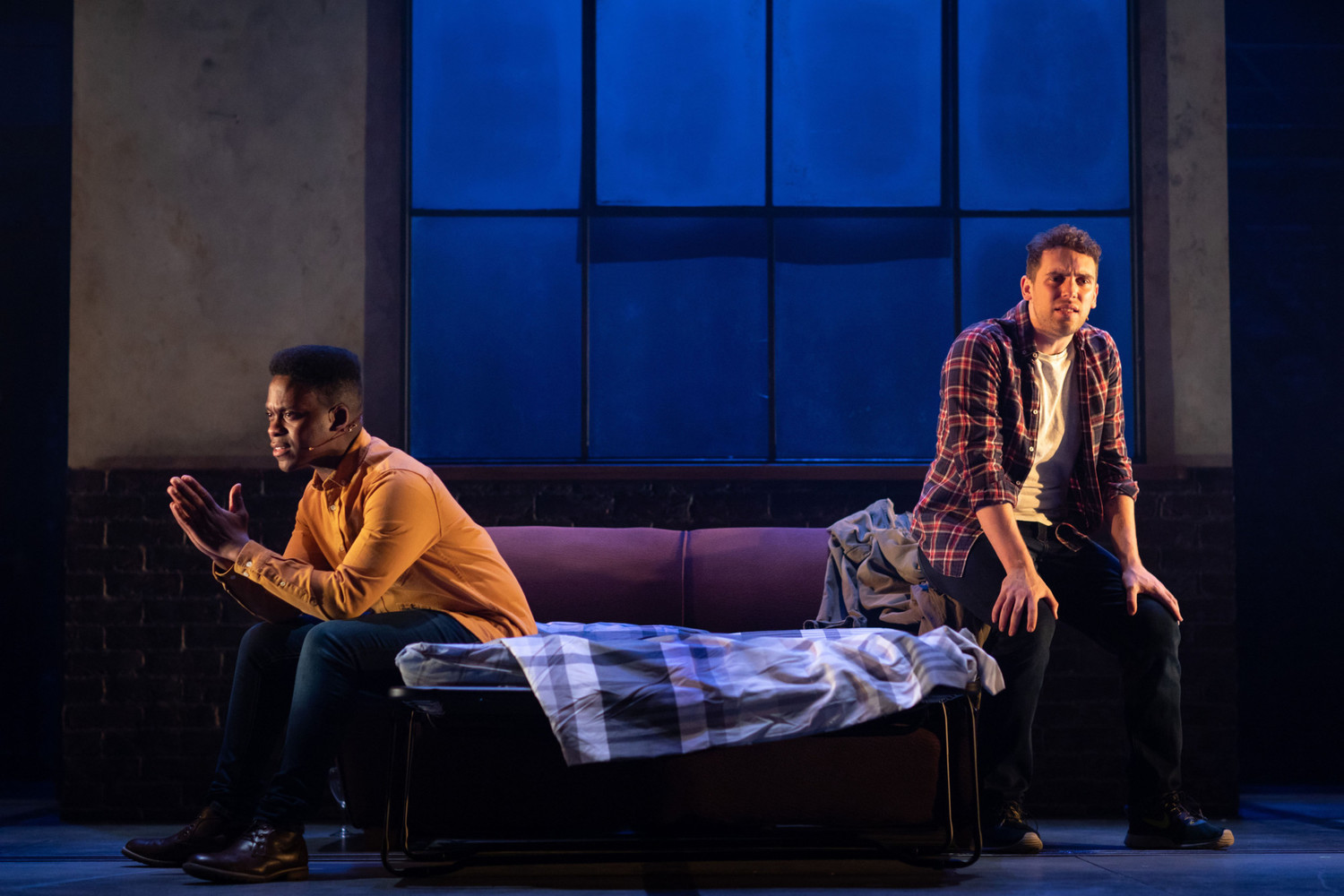 BWW Review: LEAVE TO REMAIN, Lyric Hammersmith
