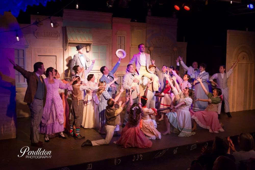 Cast of THE MUSIC MAN