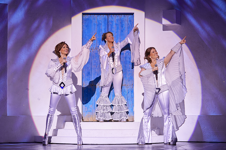 BWW Review: Mirvish's MAMMA MIA! was the Perfect Summer Musical
