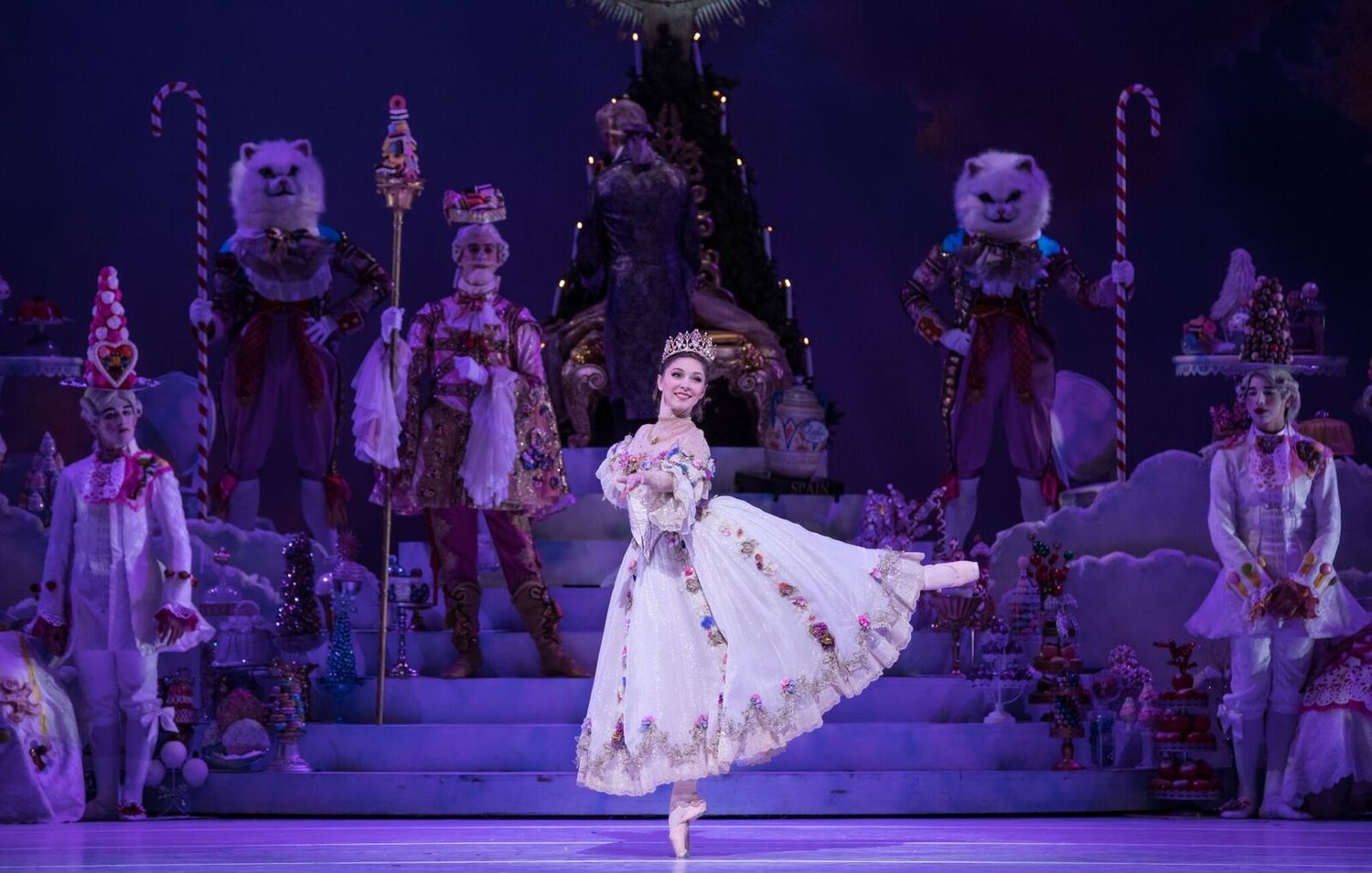 BWW Review: The Houston Ballet Returns to the Wortham with Stanton Welch's Sumptuous NUTCRACKER