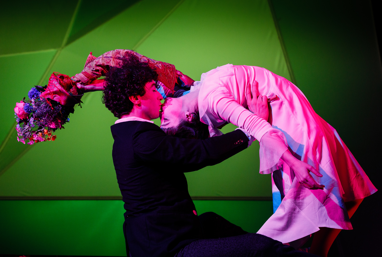 BWW Review: THE FLYING LOVERS OF VITEBSK, Wilton's Music Hall