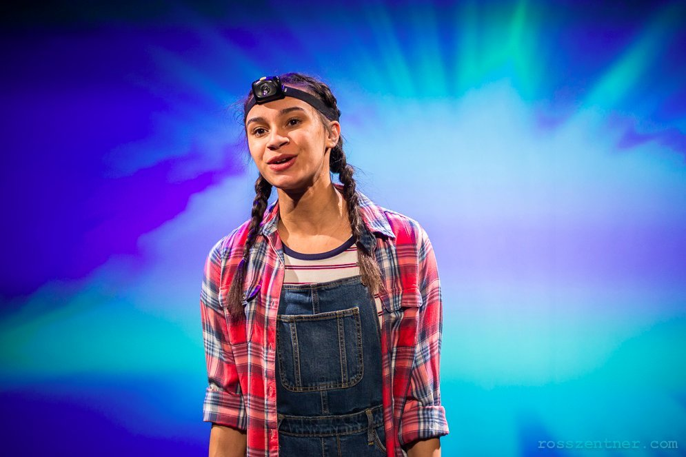 BWW Review: World Premiere ANNIE JUMP AND THE LIBRARY OF HEAVEN Brings Young-Adult Sci-Fi To The Stage