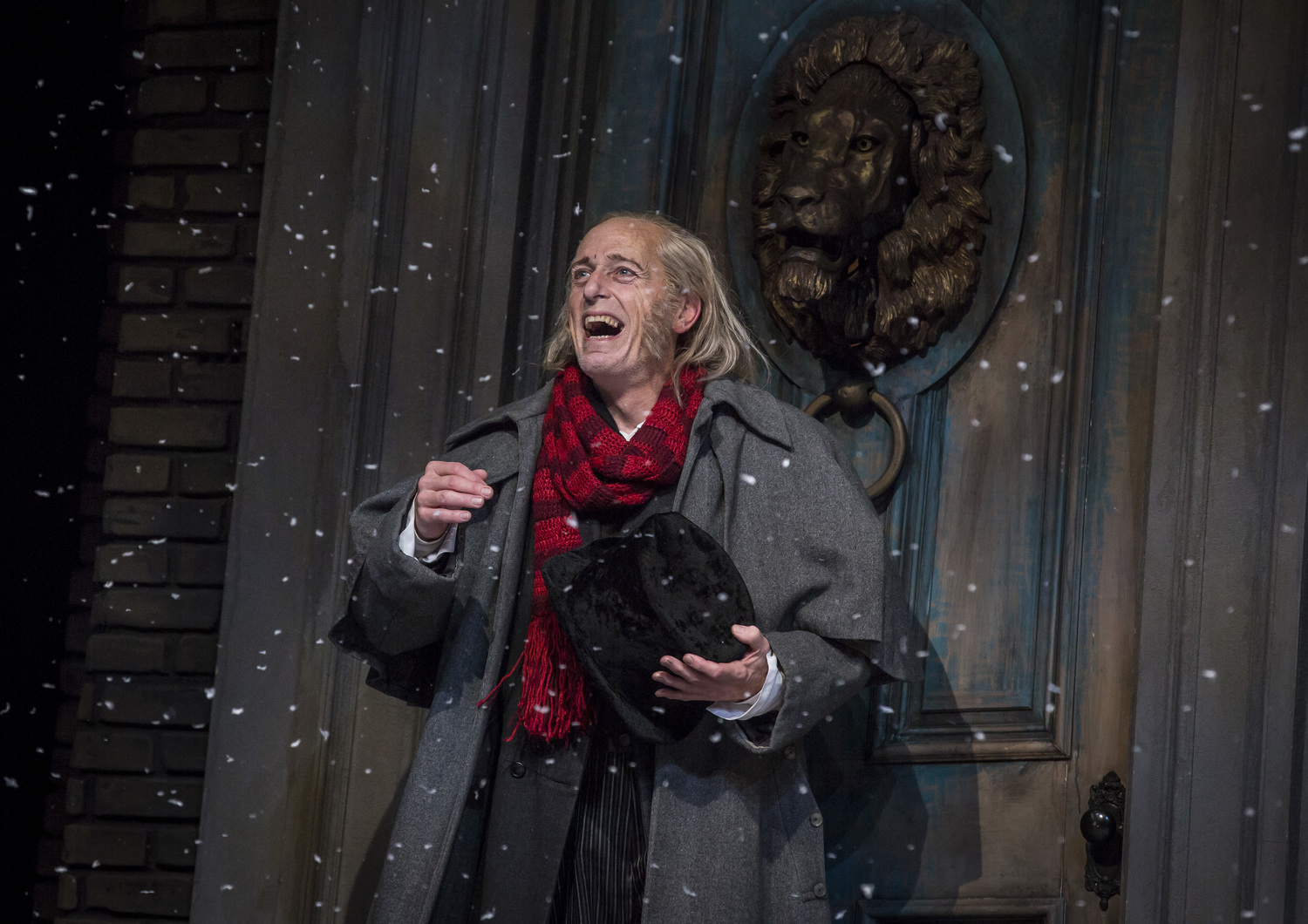 Regional Roundup: Top New Features This Week Around Our BroadwayWorld 12/1 - A Christmas Carol, Fiddler, School of Rock, and More!