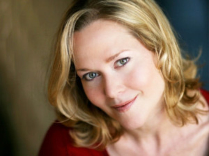 BWW Review: ONE NIGHT WITH REBECCA LUKER Dazzles at HUMAN RACE THEATRE COMPANY