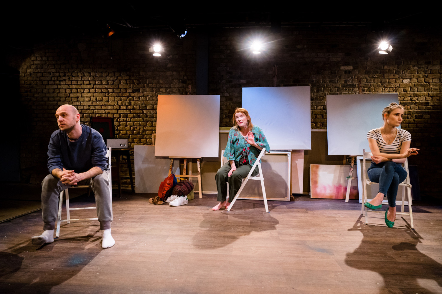 BWW Review: SITTING, Arcola Theatre