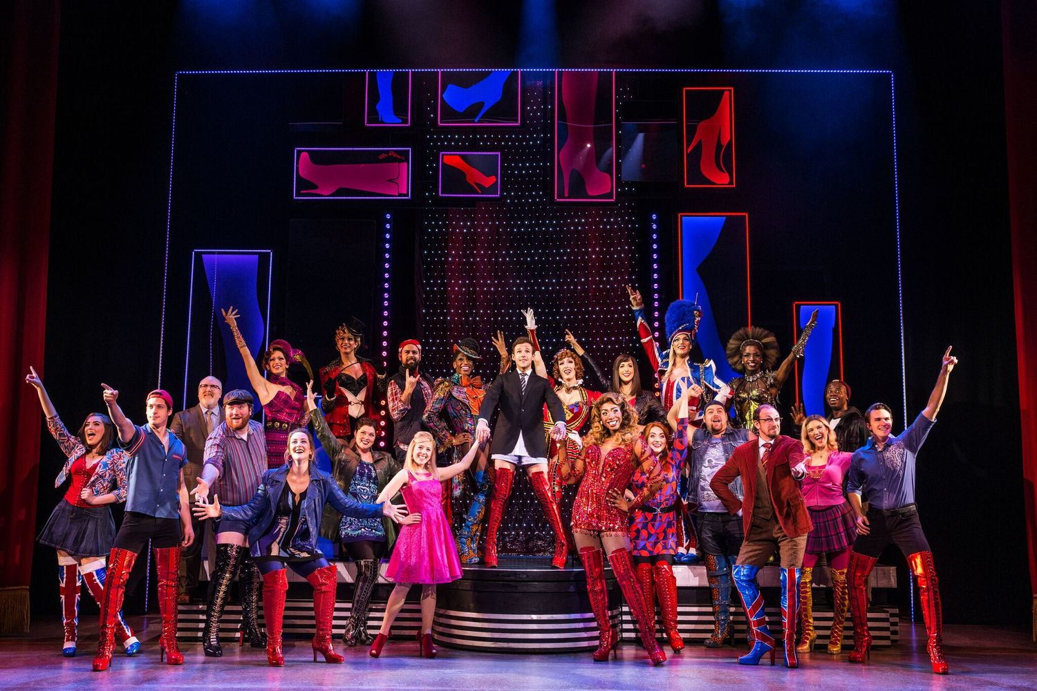 BWW Review: KINKY BOOTS Kicks Butt at Providence Performing Arts Center