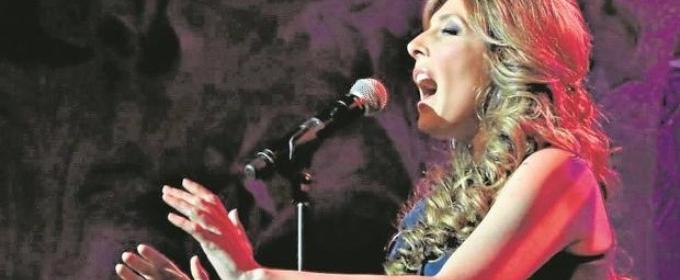 LUCY LUMMIS en el Cafe La Palma en un concierto intimo