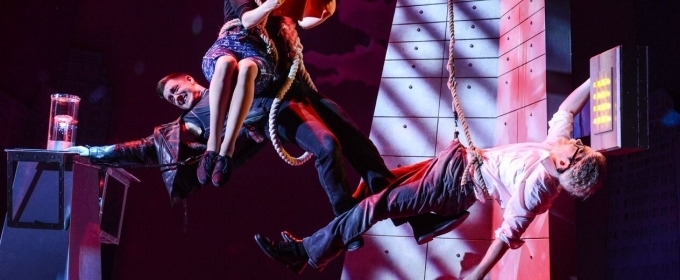 BWW Review: THE COMEDY ABOUT A BANK ROBBERY, Theatre Royal Brighton