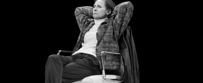 BWW Review: Laurie Metcalf, John Lithgow Debate The Art of Getting Elected in Lucas Hnath's Political Fan Fiction HILLARY AND CLINTON