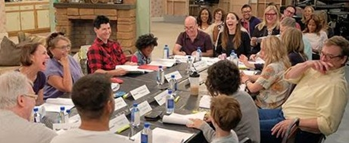 Photo: Roseanne Barr & More at First Table Read for ABC's ROSEANNE Revival