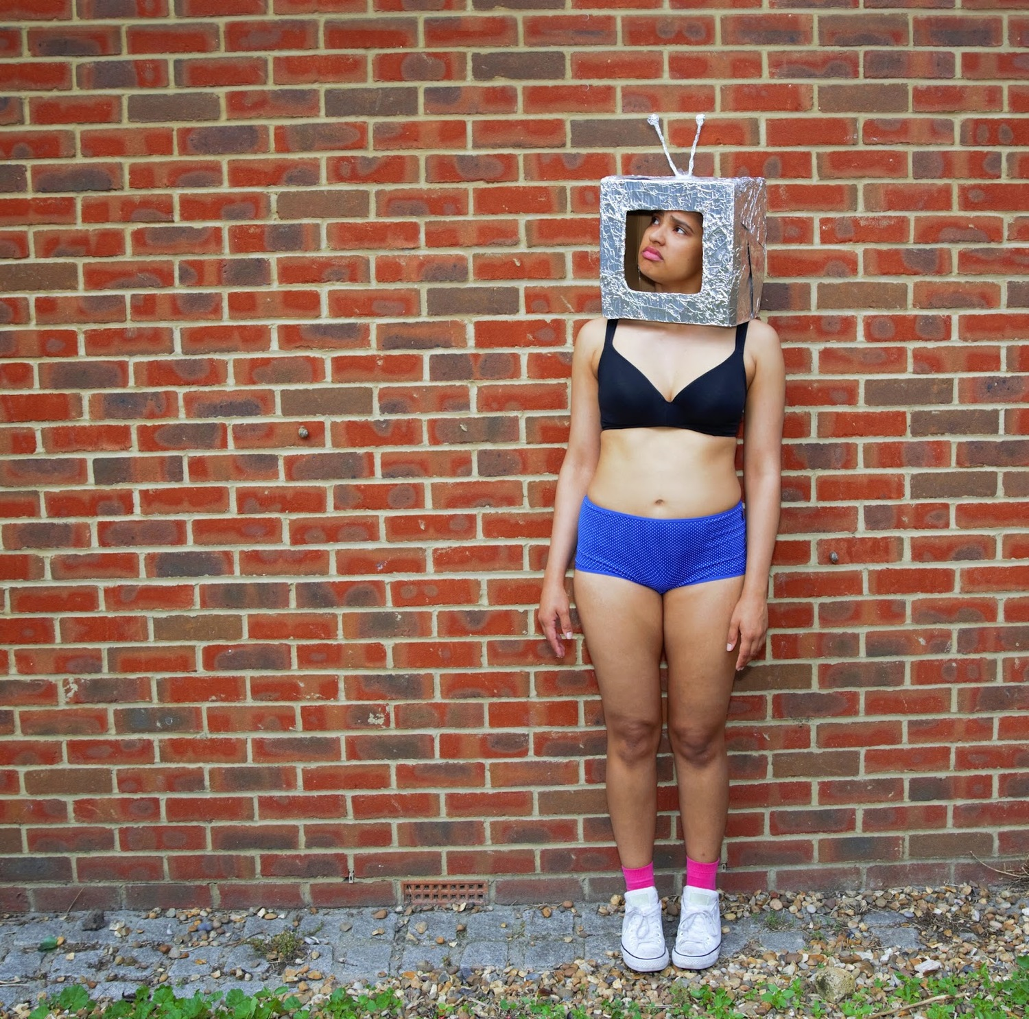 BWW Review: A ROBOT IN HUMAN SKIN, The Vaults