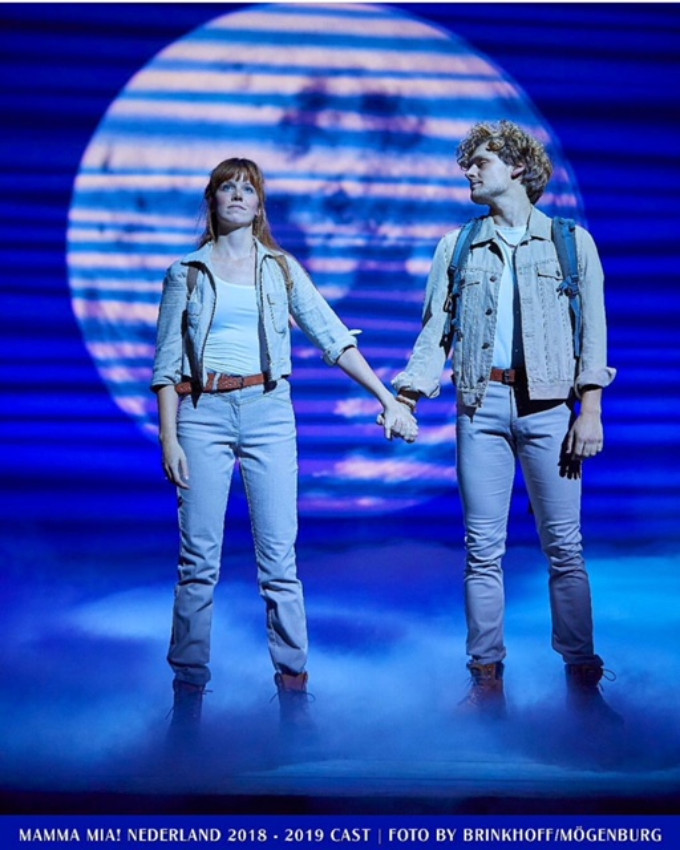 BWW Review: MAMMA MIA! at Beatrix Theater Utrecht - Put on your lycra glitter outfit and channel your inner Dancing Queen!
