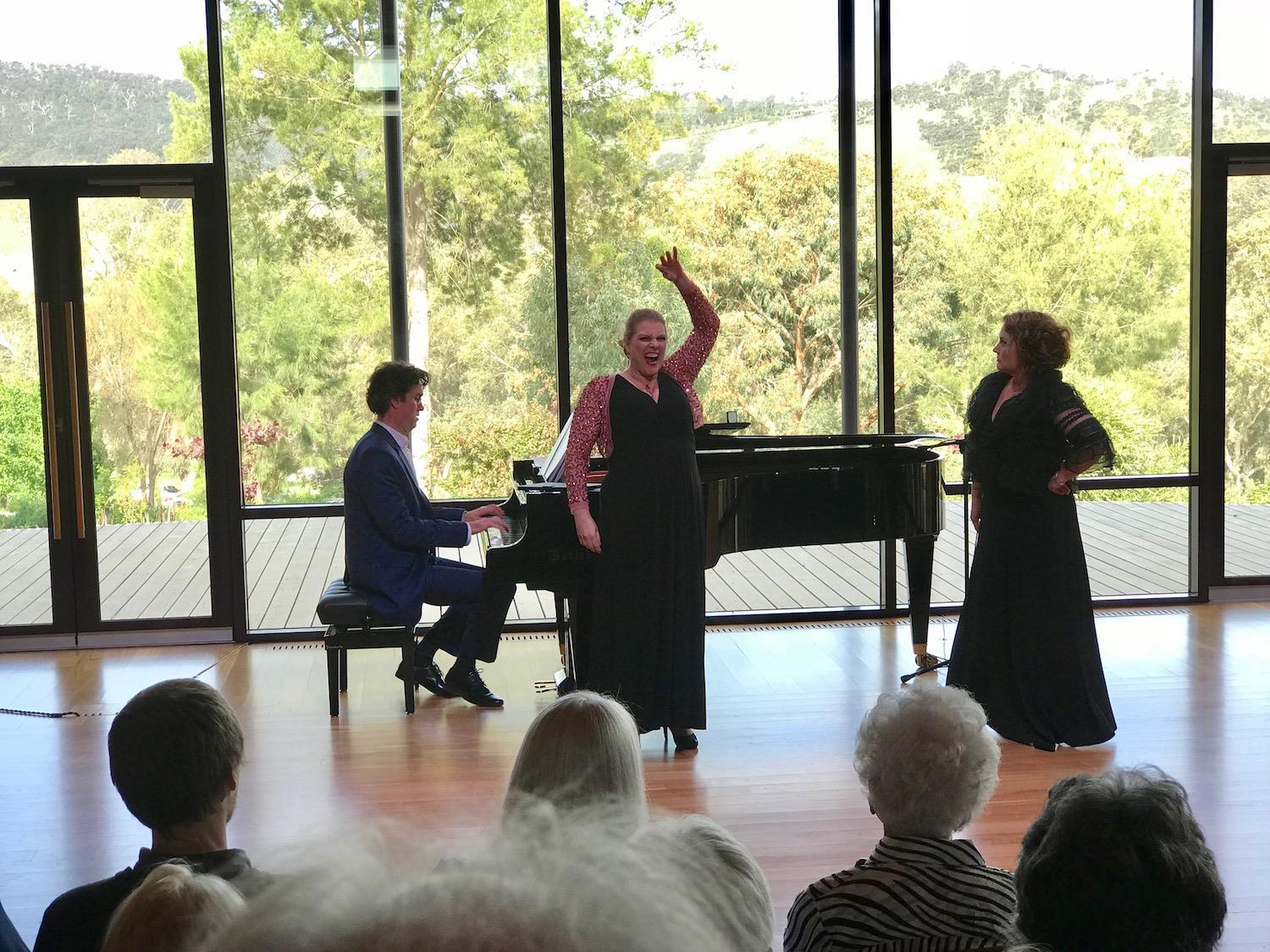 BWW Review: EMMA MATTHEWS, JACQUELINE DARK, AND TAHU MATHESON at Ukaria Cultural Centre