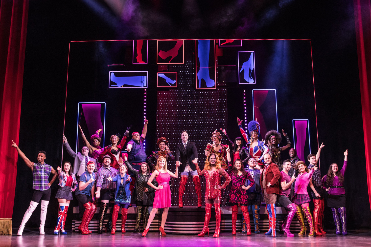 BWW Review: KINKY BOOTS at Times Union Performing Arts Center