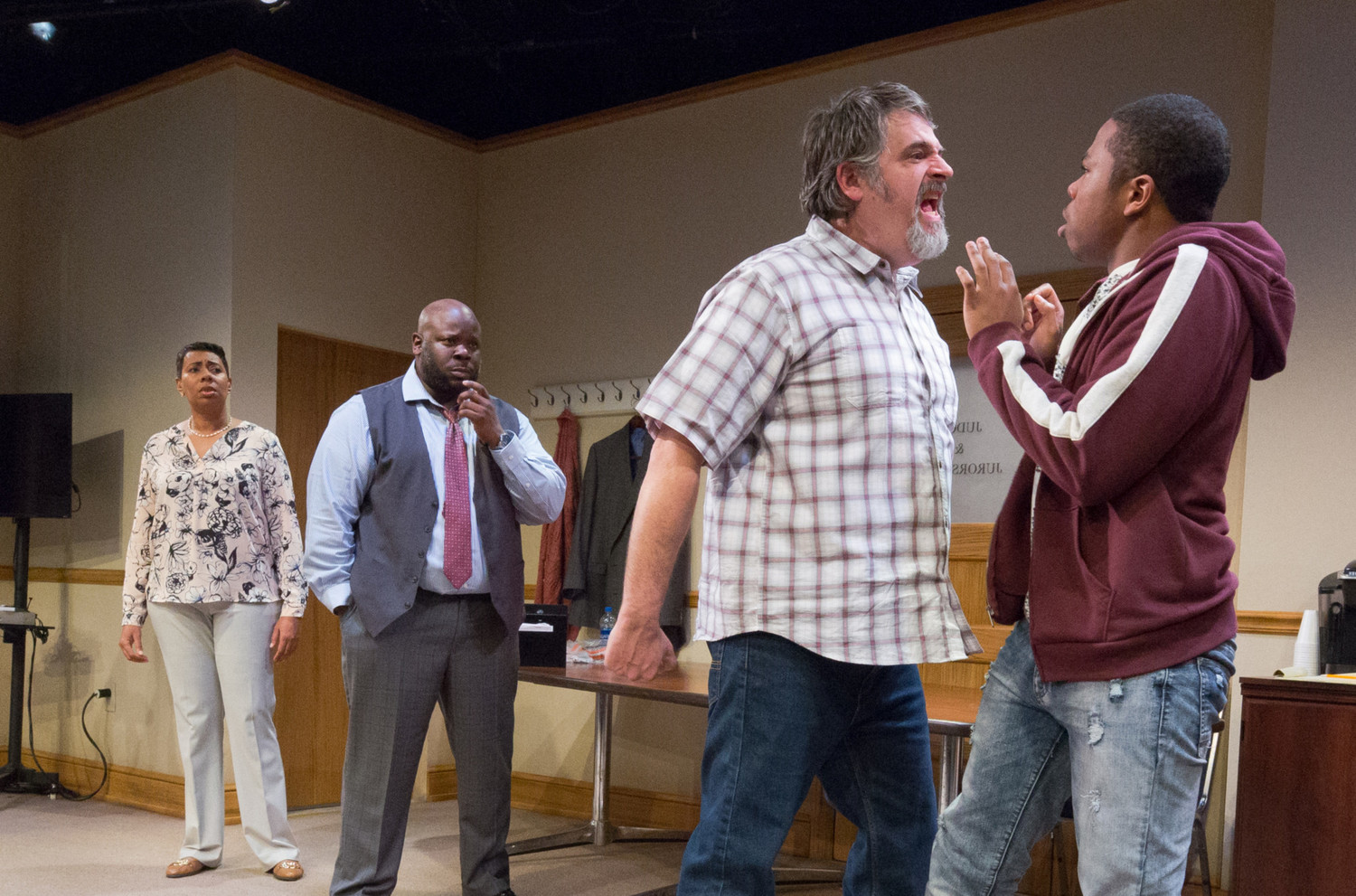 BWW Review: 74 SECONDS... TO JUDGEMENT at Arden Theatre Co.