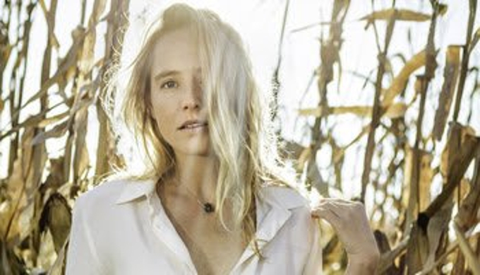 christian singles in lissie Please post your personal singles charts here for the week 15th to  44 44 44 2 castles lissie 26500  i like it loud - tiesto john christian marshall.