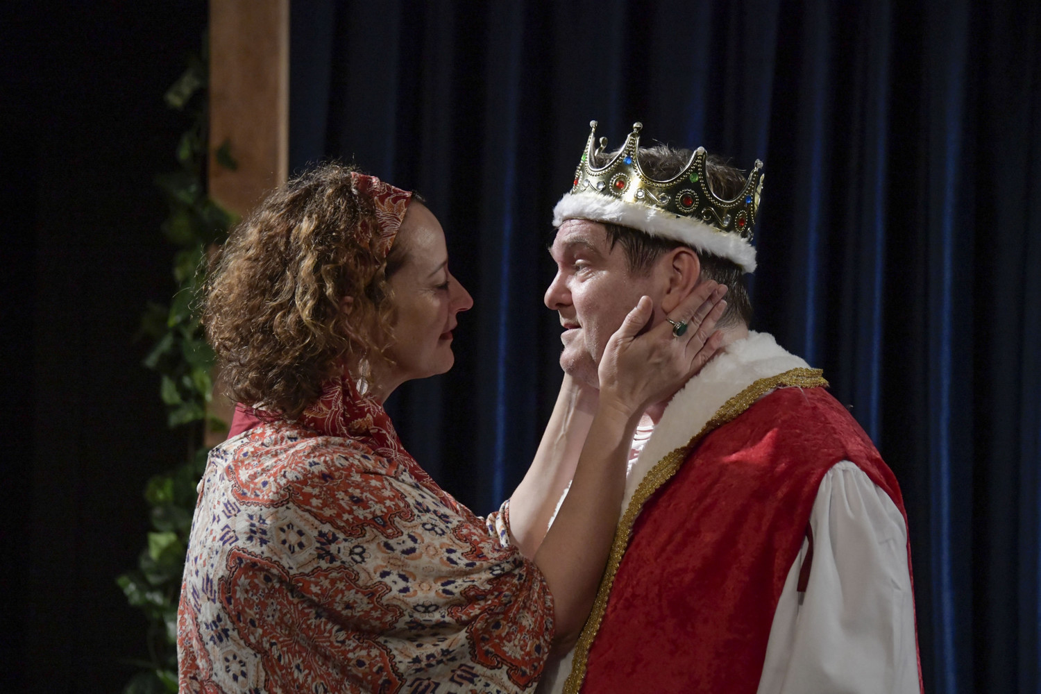 BWW Review: A BUNCH OF AMATEURS at Holden Street Theatres