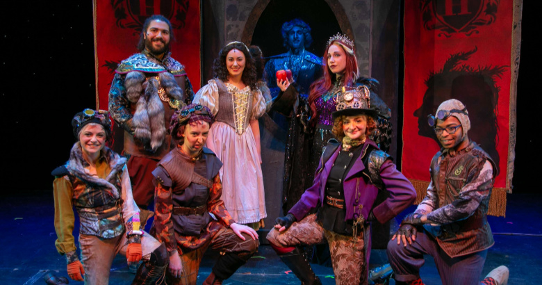 BWW Review: SNOW WHITE at Downtown Cabaret Children's Theatre