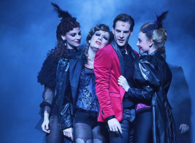 BWW Review: THE HUNCHBACK OF NOTRE DAME/DORIAN GRAY at Budapest Operetta Theatre