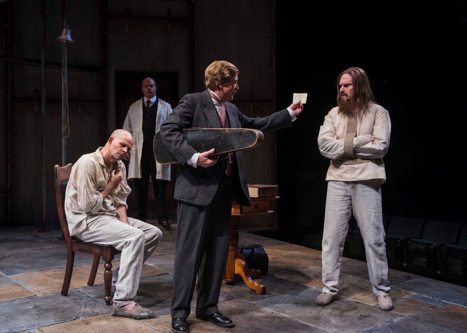 BWW Review: The Heart-Pounding HOLMES & WATSON Brings Murder-Mystery Drama to the Milwaukee Repertory Theater